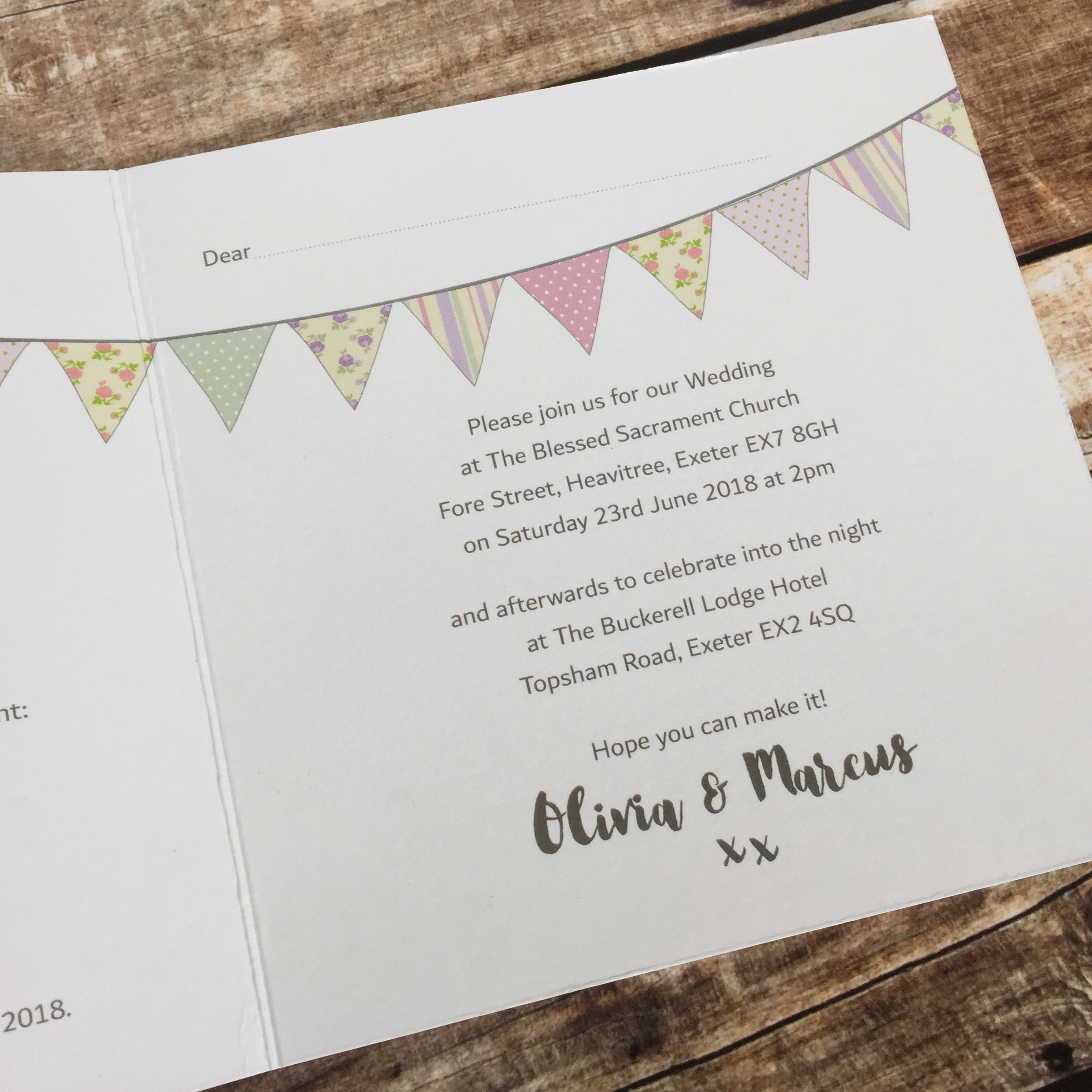 Bunting Wedding Invitations – Dilly & Dilly
